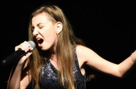 Elena Hasna - When we were young - live